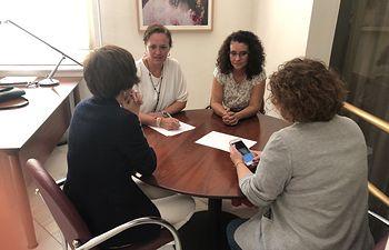 La concejal de Cultura anima al público albaceteño a disfrutar de las seis nuevas representaciones benéficas de 'Bonnie y Clide'