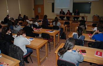 Las jornadas pretenden sensibilizar a la comunidad universitaria sobre la importancia de la cooperación.