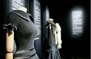 """Imagen de la exposición """"20 trajes para Europa"""". Foto: Instituto Cervantes."""