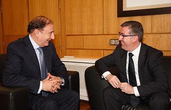 Marcial Marín y el director de FP. Foto: JCCM.