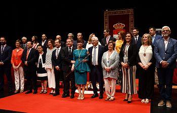 El presidente en funciones de Castilla-La Mancha, Emiliano García-Page, asiste, en el auditorio municipal Pedro Almodóvar de Puertollano, a la constitución de la nueva Corporación Municipal. (Fotos: JCCM)