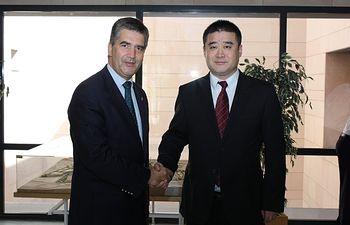 El director de la Policía se ha reunido con una delegación del Ministerio de Seguridad Pública de China para reforzar la cooperación bilateral. Foto: Ministerio del Interior