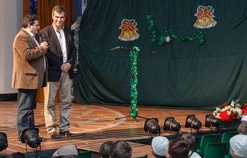 El alcalde durante la visita a Salesianos