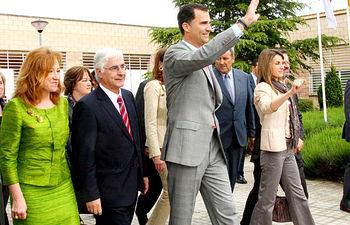 El presidente de Castilla-La Mancha, José María Barreda, acompaña a los Príncipes de Asturias en una imagen de archivo tomada en su última visita a Castilla-La Mancha, el 11 de mayo de 2010 en la Feria España Original.