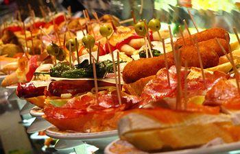 Tapas - Gastronomía - Imagen de archivo.