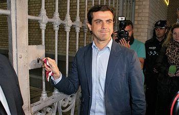Javier Cuenca, alcalde de Albacete, cerrando Puerta de Hierros de la Feria de Albacete 2016.