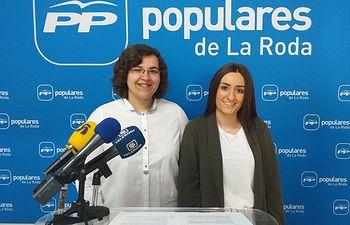 Eva María García y Marta Leal.