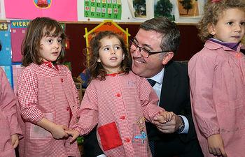 Marín visita el Colegio Publico Valparaiso de Toledo 2. Foto: JCCM.