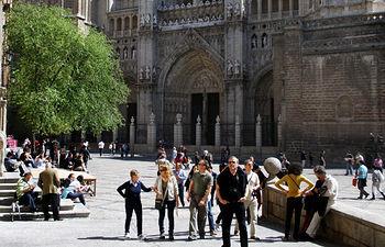 En la imagen, turistas de visita en Toledo.