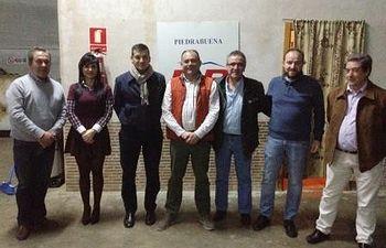 Joaquín García Cuevas y Raimundo Garrido se han reunido con junta local del PP de Piedrabuena.