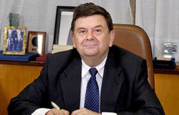 El presidente de la Conferencia de Rectores de las Universidades Españolas (CRUE), Manuel López,