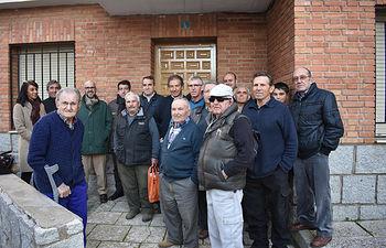 Agricultores junto con representantes de ASAJA Toledo.