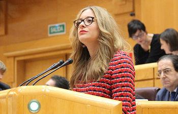 Esther Muñoz durante el pleno del Senado