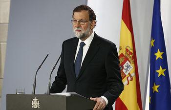 El presidente del Gobierno, Mariano Rajoy, comparece en La Moncloa para valorar la jornada del referéndum ilegal en Cataluña.