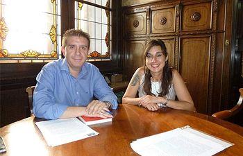 Padres y madres de Pozohondo y Nava de Abajo exponen al presidente de la Diputación sus problemas por el desplazamiento de profesores
