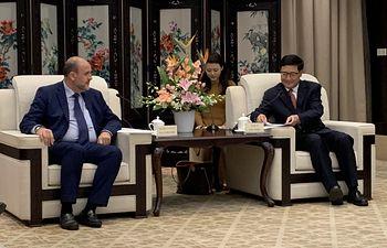 El vicepresidente del Gobierno regional ha mantenido en Chengdu una reunión con el vicegobernador de la provincia de Sichuan, Yao Sidan