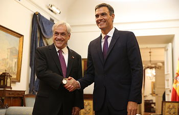 El presidente del Gobierno, Pedro Sánchez y el presidente de Chile, Sebastián Piñera