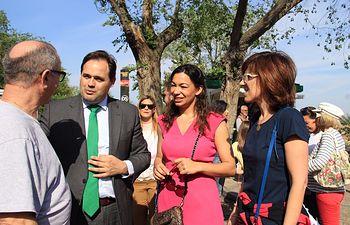 Paco Núñez asiste a la tradicional romería de la Virgen del Valle, en Toledo, junto a la candidata a la alcaldía Claudia Alonso