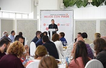 Desayuno con empresarios del sector agrario en Tomelloso (Ciudad Real). (FOTOS: José Ramón Márquez // PSCMPSOE)