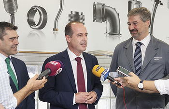 Visita y rueda de prensa del Alcalde en Witzenmann. Foto: ©JRopero