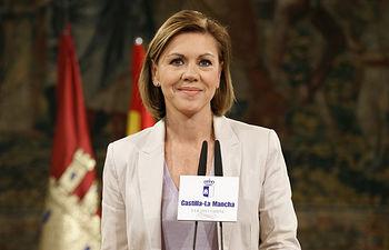 María Dolores Cospedal - Declaración institucional abdicación Rey Juan Carlos - 02-06-14.