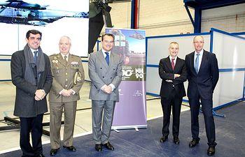 """Airbus entrega a Defensa el helicóptero de transporte militar NH90 """"número 300"""" de todo el mundo"""