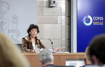 La ministra de Educación y Formación Profesional y portavoz del Gobierno en funciones, Isabel Celaá, responde a las preguntas de los medios de comunicación, en la rueda de prensa posterior al Consejo de Ministros. Foto: Pool Moncloa www.lamoncloa.gob.es