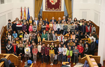 Pleno Infantil organizado junto a Aldeas Infantiles SOS en las Cortes de CLM
