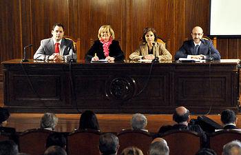 Imagen de la consejera de Fomento de Castilla-La Mancha, Marta García de la Calzada, en un acto celebrado en Albacete para presentar a los empresarios los estudios de la Plataforma Logística Intermodal.