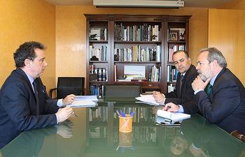 El delegado del Gobierno en Castilla-La Mancha, José Julián Gregorio, se reúne con el presidente de la Confederación Hidrográfica del Tajo.