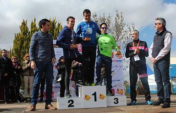 Miguel Vera y Gemma Arenas, primeros puestos de la XXII Muy Heroica Media Maratón de Valdepeñas