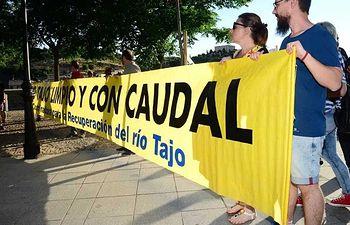 El PCE en la manifestación por el río Tajo en Toledo