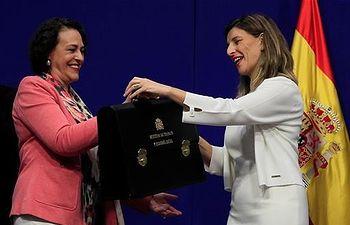 Magdalena Valerio traspasa la cartera a Yolanda DíezEFE/MONCLOA.