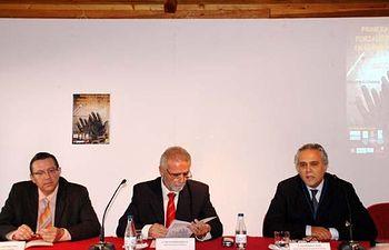 Eduardo Martínez, Emilio García y Luis Mansilla, durante la inauguración de las jornadas.