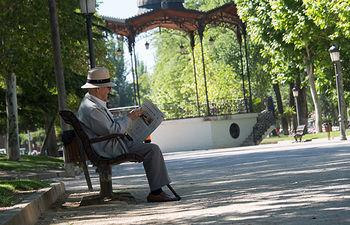 Jubilado en el Parque Lineal de Albacete
