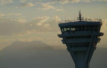 AEMET y la Asociación Profesional de Controladores de Tránsito Aéreo (APROCTA) firman un convenio en materia de seguridad aérea. Foto: Ministerio de Agricultura, Alimentación y Medio Ambiente