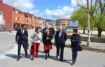 Marta García visita las obras de la travesía de Jadraque (Guadalajara)-1. Foto: JCCM.
