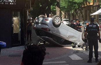 Accidente en la calle Octavio Cuartero de Albacete. Foto Twitter @BKREMOX