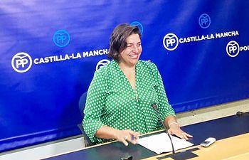 Cesárea Arnedo en rueda de prensa en las Cortes CLM.