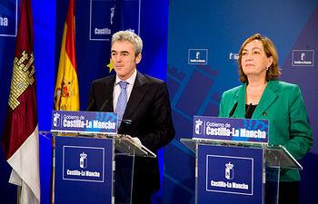 Leandro Esteban y María Luisa Soriano en la rueda de prensa posteiror al Consejo de Gobierno. Foto: JCCM.
