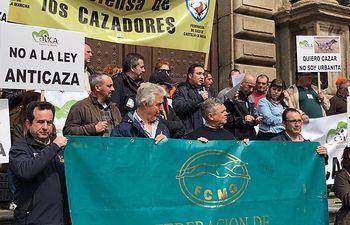 Miles de cazadores toman las calles de Castilla-La Mancha para reivindicar la caza