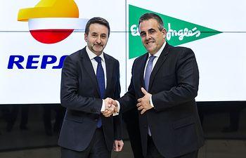 Los consejeros delegados de Repsol y El Corte Inglés, Josu Jon Imaz y Víctor del Pozo, respectivamente.