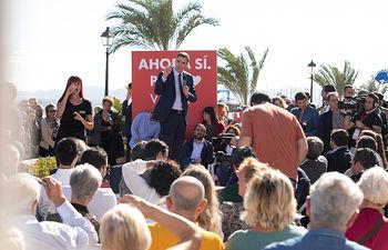 Pedro Sánchez en Los Alcázares (Murcia). Foto: EVA ERCOLANESE