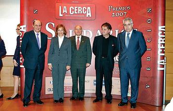 De izquierda a derecha, Federico Rodríguez Morata, vicepresidente de CCM, Angelina Martínez, consejera de Justicia y Protección Ciudadana, Andrés Sánchez Ortega, presidente de la AECC de Albacete, Ricardo Avendaño y Manuel Lozano, director del Grupo de Comunicación La Cerca.