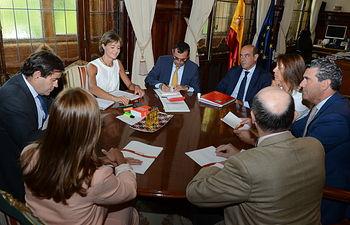 Isabel García Tejerina se reúne con representantes del Grupo Coren. Foto: Ministerio de Agricultura, Alimentación y Medio Ambiente