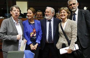 La ministra Tejerina en la reunión de Bruselas de ministros de Medio Ambiente de la UE (EFE). Foto: EFE.