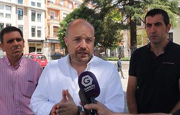 Alejandro Ruiz con ediles de Tendilla