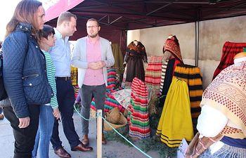 Santa Ana celebra su tradición del azafrán con su tradicional concurso de monda y festival de folklore.