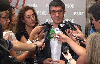 Patxi López durante las declaraciones realizadas en Ferraz
