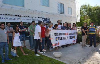 Concentracion CCOO y UGT Albacete contra incremento siniestralidad laboral